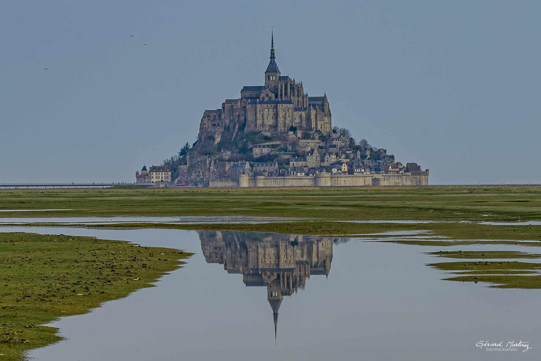 Le Mont et son reflet.
